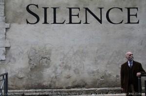 """""""Autoportrait avec le silence"""" by Renaud-Camus, cc-by."""